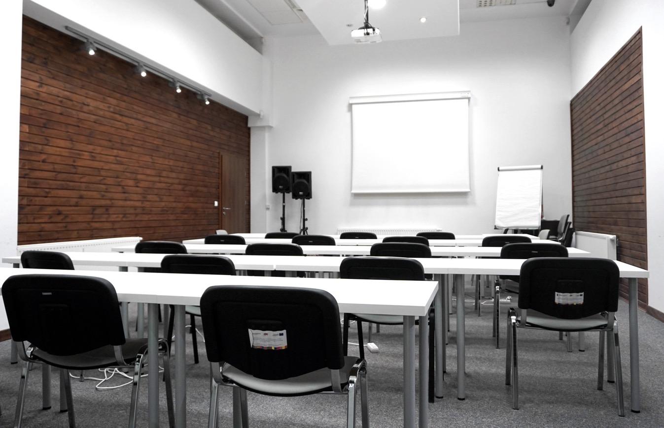 Sala konferencyjna - ustawienie klasowe